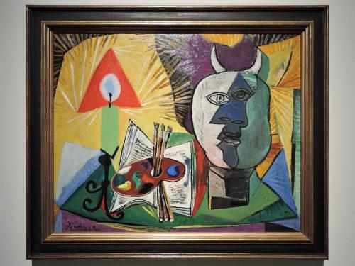 パブロ・ピカソ「静物ーパレット、燭台、ミノタウロスの頭部」